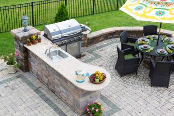 Out door kitchen with patio built by Rotell(e)